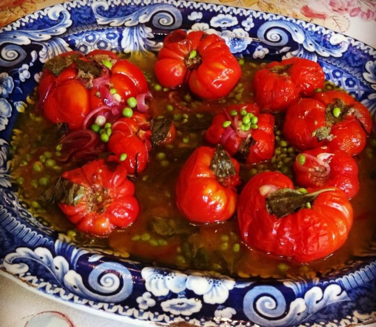 Roasted garden tomatoes with garlic, basil and peas