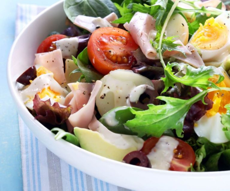 Supercharged egg, ham and avocado salad