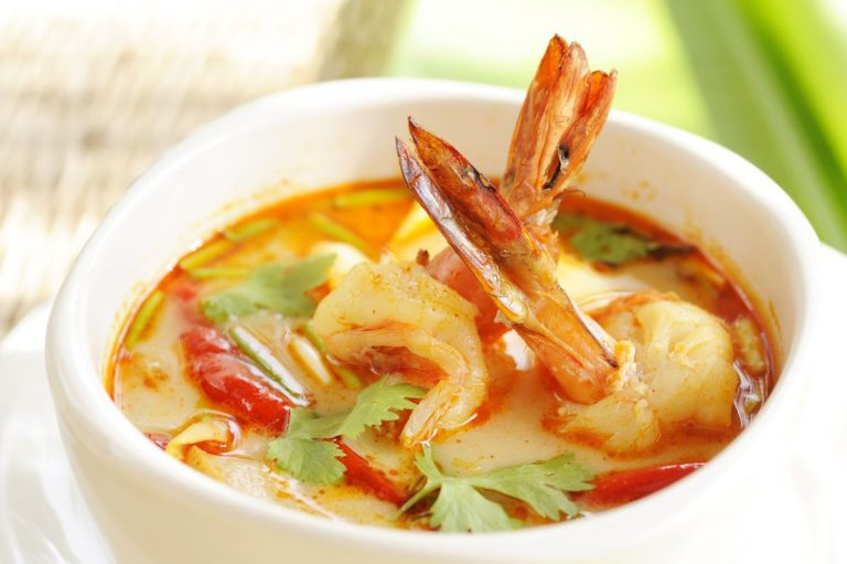 Thai prawn and coconut curry