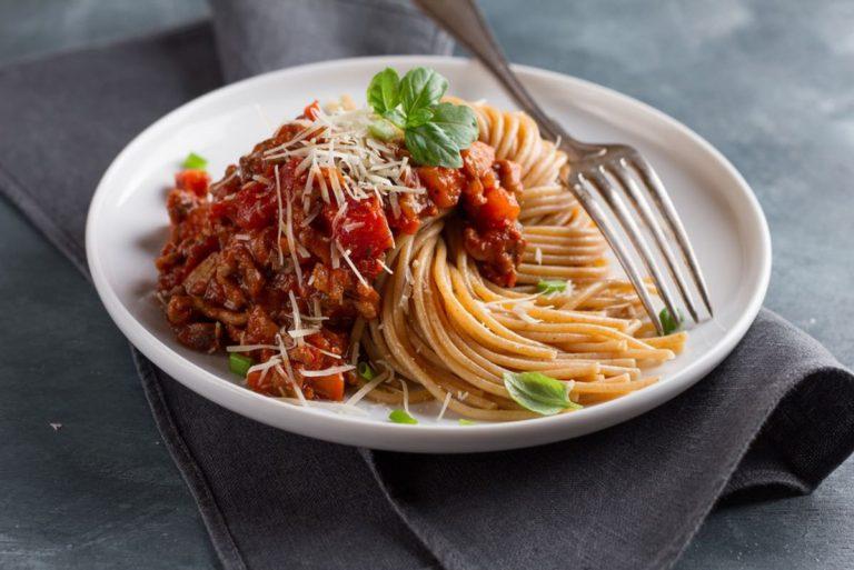 Lentil and tomato bolognese