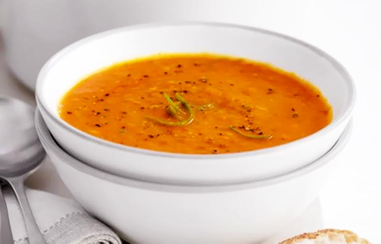Tomato, lentil and lime soup