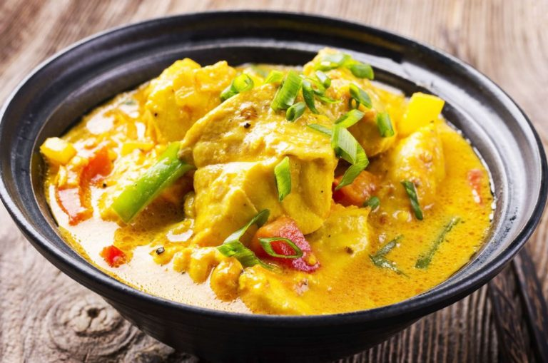 Thai coconut fish curry