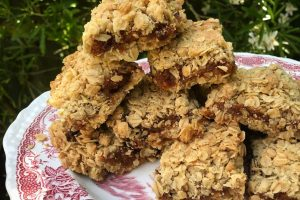 Oaty apricot crumble squares
