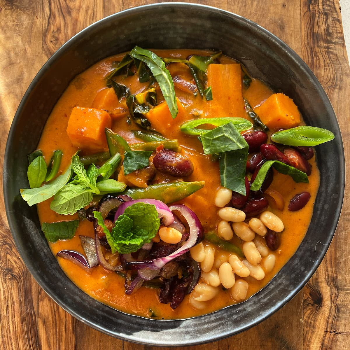 Thai vegetable red curry soup vegan