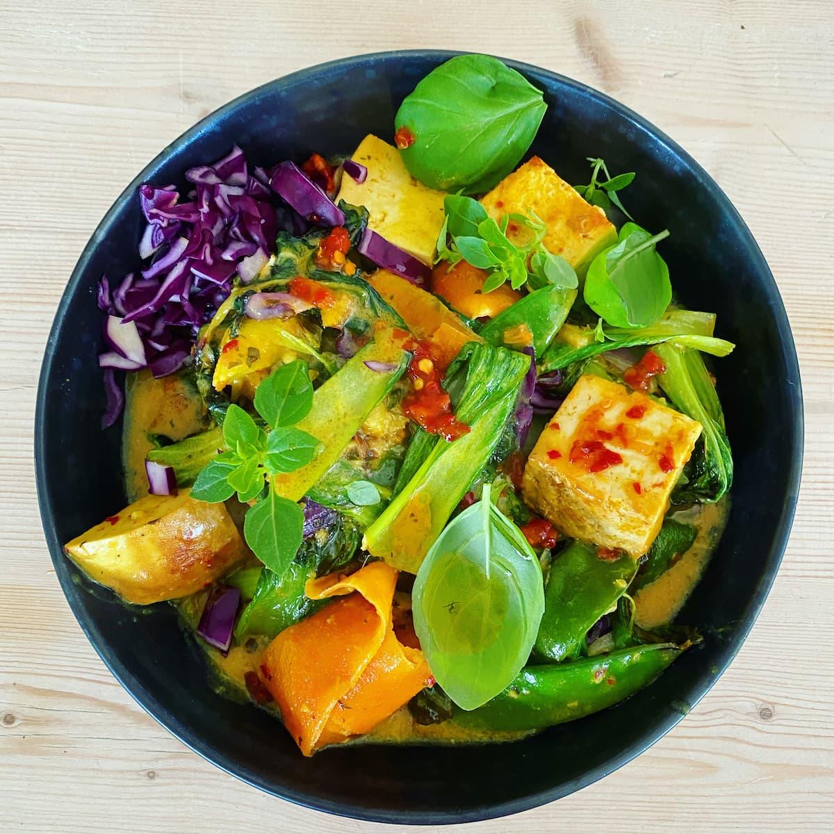 Thai tofu curry bowl